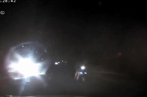 Nguy hiểm dừng xe trên làn ngược chiều