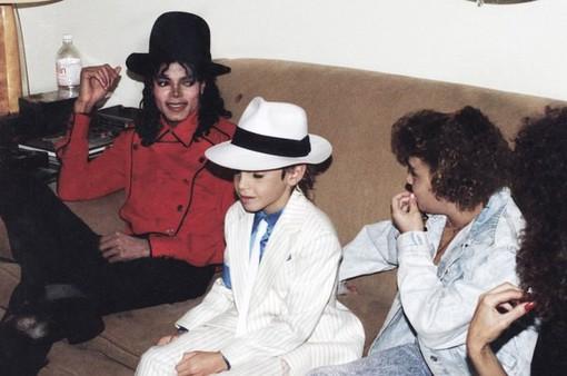 Emmy 2019: Phim tài liệu tố cáo Michael Jackson xâm hại trẻ em thắng giải, khán giả phẫn nộ