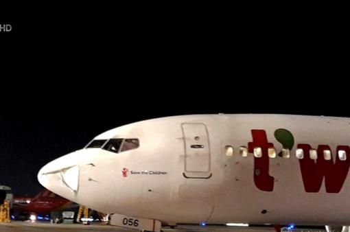 Máy bay Hàn Quốc xin hạ cánh khẩn xuống sân bay Tân Sơn Nhất