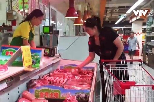 Trung Quốc: Giá thịt lợn tăng gần 70%