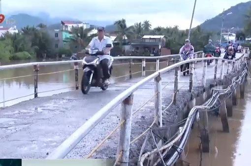 Nỗi lo sập cầu mùa mưa bão tại Nha Trang