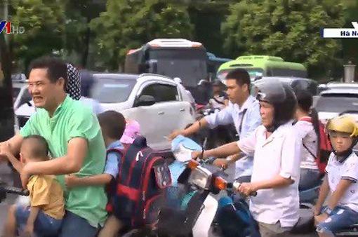Nhiều phụ huynh không chấp hành luật giao thông