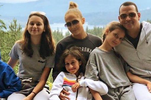 Jennifer Lopez: Hai con chính là điểm mấu chốt khi tìm kiếm bạn trai mới