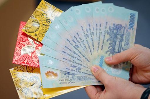 Cha mẹ lấy tiền lì xì của con có bị phạt 1 triệu đồng?