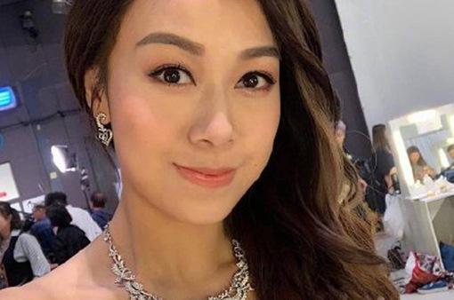 Trở lại Hong Kong sau bê bối ngoại tình 1 tháng, Á hậu Hong Kong không bước chân ra khỏi nhà