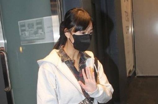 Xuất hiện với ngoại hình tiều tụy, Á hậu Hong Kong 2012 khiến cư dân mạng lo ngại