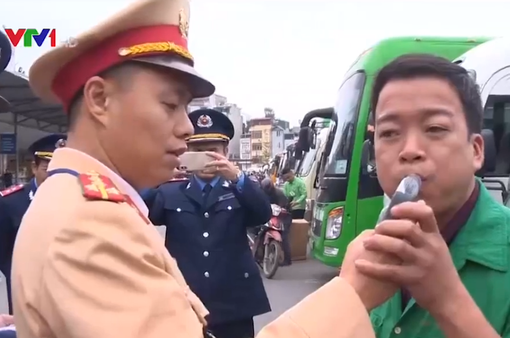 Hà Nội tăng cường kiểm tra ma túy, nồng độ cồn lái xe dịp cận Tết