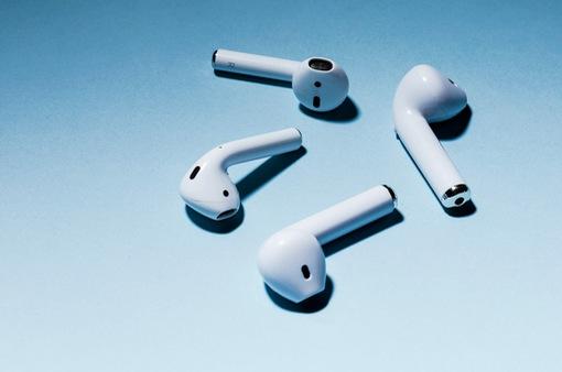 Hãy dừng luôn và ngay việc dùng tai nghe Airpods nhái!