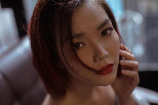 Hồng Kim Hạnh tiết lộ lý do cắt đi mái tóc dài suốt 30 năm