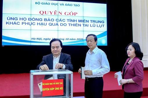 Bộ GD&ĐT phát động quyên góp ủng hộ đồng bào miền Trung