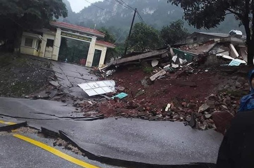 Canh gác 24/24 ngăn xe đi quốc lộ qua đồn Cha Lo bị hư hỏng nặng