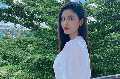 """Ngắm vẻ xinh đẹp từ mọi góc nhìn của Trương Quỳnh Anh trong hậu trường """"Trói buộc yêu thương"""""""