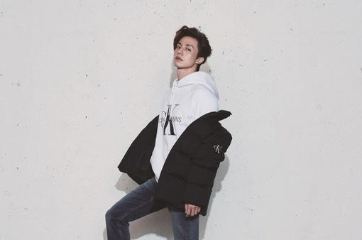 U40, Lee Dong Wook vẫn trẻ trung và phong độ