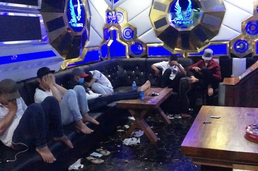 Phát hiện 13 đối tượng sử dụng ma túy tại quán karaoke ở Tiền Giang
