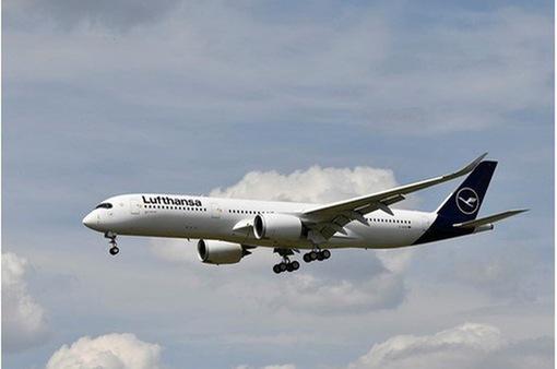 """Hãng hàng không Lufthansa tiếp tục """"thu hẹp"""" đội bay"""