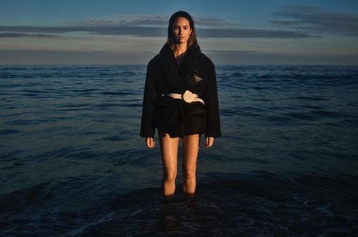 Candice Swanepoel ngọt ngào và mướt mát
