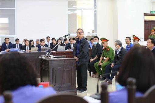 Xét xử vụ án tại Ngân hàng BIDV: Các bị cáo khai chịu áp lực từ ông Trần Bắc Hà