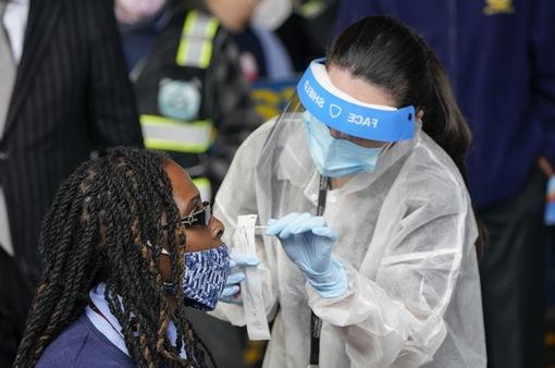 Thế giới ghi nhận kỷ lục hơn 2 triệu ca mắc COVID-19 mới trong tuần qua
