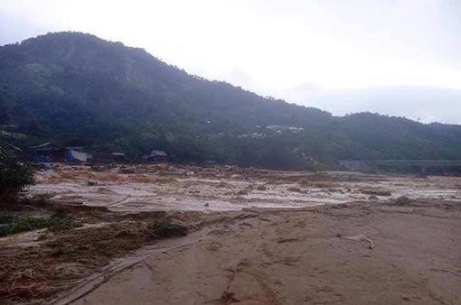 Thêm vụ sạt lở núi thứ 3 ở Quảng Nam, 11 người bị vùi lấp