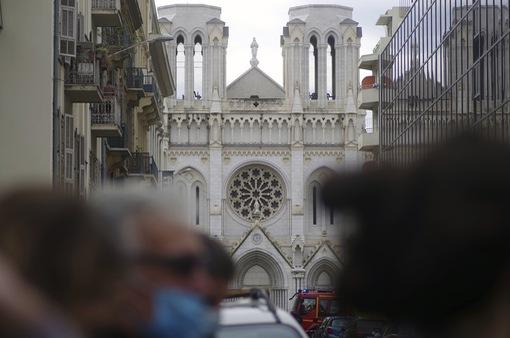 Gia tăng căng thẳng xã hội - tôn giáo tại Pháp sau một loạt vụ tấn công khủng bố