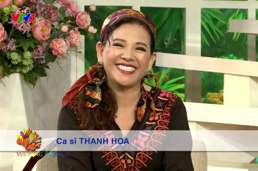 Ca sĩ Thanh Hoa ngoài 50 tuổi vẫn tràn đầy năng lượng và sáng tạo