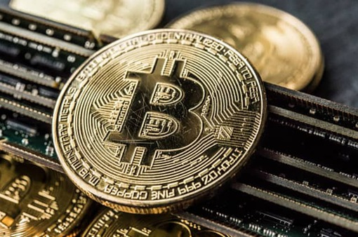 Bitcoin vượt mốc 19.000 USD