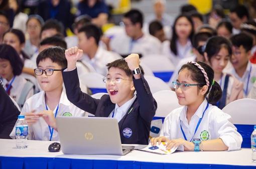 100 suất học bổng phổ thông trực tuyến dành cho học sinh xuất sắc