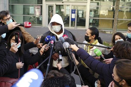 Pháp điều tra nhóm cảnh sát tấn công người da màu