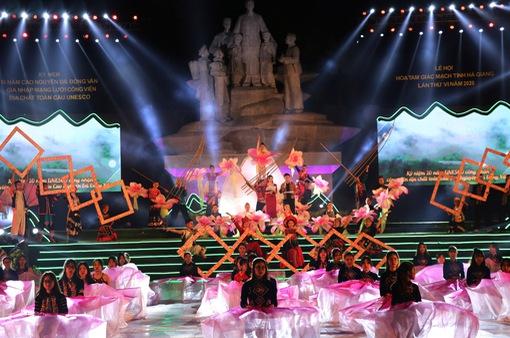 Khai mạc lễ hội hoa tam giác mạch tại Hà Giang