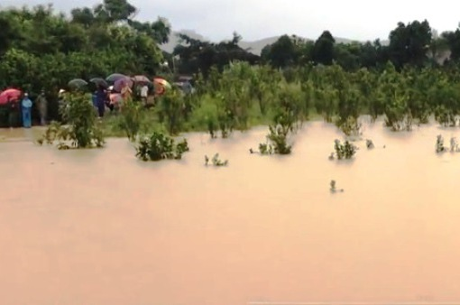 Đắk Lắk: Hơn 100 hộ dân bị cô lập do ngập lụt