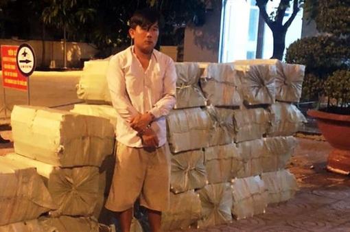 Mang hàng nghìn bao thuốc lá nhập lậu đi tiêu thụ thì bị kiểm tra, bắt giữ