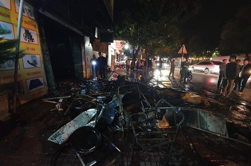 Cháy lớn thiêu rụi cơ sở kinh doanh thiết bị y tế ở TP Hà Tĩnh