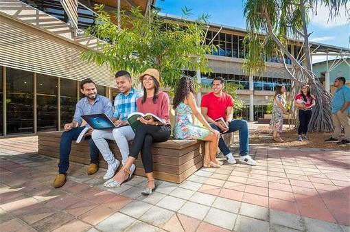Đại học Charles Darwin (Australia) đón 63 sinh viên quốc tế trở lại