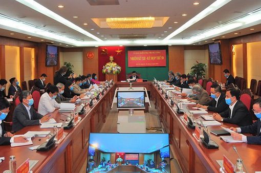 Đề nghị xem xét khai trừ khỏi Đảng ông Nguyễn Đức Chung