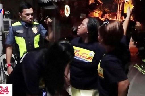 Những bà mẹ tuần tra đêm ngăn chặn bạo lực ma túy ở Philippines