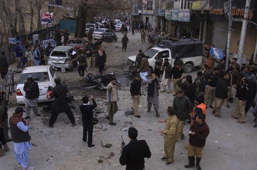 Đánh bom nhằm vào xe cảnh sát tại Pakistan, ít nhất 10 người thiệt mạng