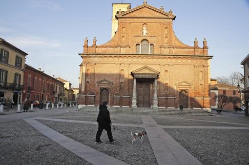 Bùng phát dịch COVID-19 ở Italy