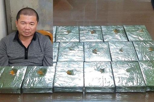 Vận chuyển 17 bánh heroin trên tàu Bắc - Nam