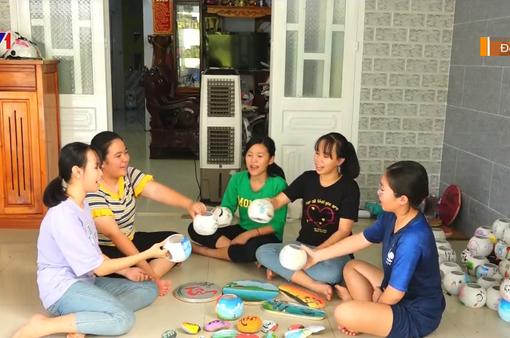 """Hoạt động bổ ích của câu lạc bộ """"họa sỹ nhí"""" tại Đồng Nai"""