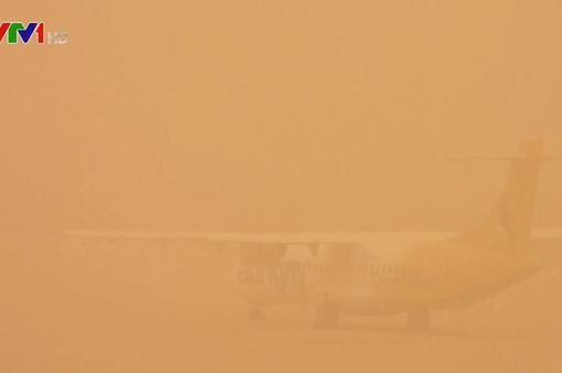 Tây Ban Nha đình chỉ các chuyến bay do bão cát