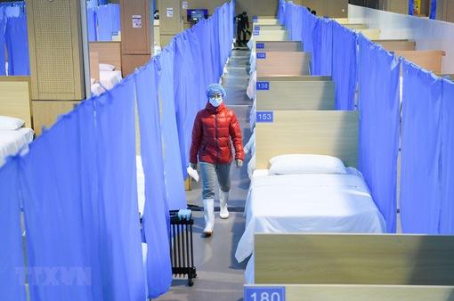 Hơn 3.000 nhân viên y tế Trung Quốc nhiễm COVID-19