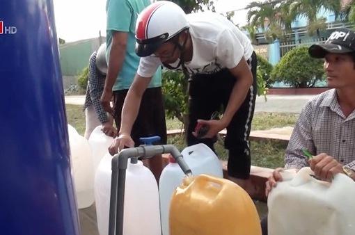 Mở vòi nước công cộng cho người dân vùng ven biển
