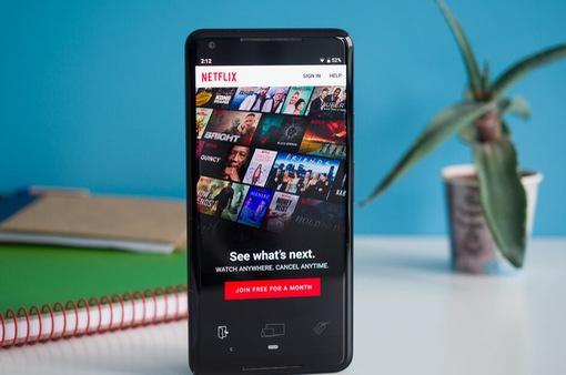 Netflix cập nhật danh sách phim và chương trình hot trên mọi nền tảng