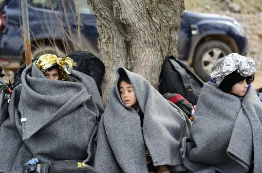 Hàng trăm người di cư ở Thổ Nhĩ Kỳ đổ về biên giới với châu Âu