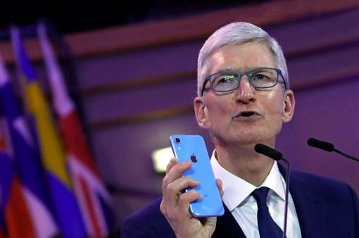 Tim Cook: Đừng quá lo lắng về iPhone!