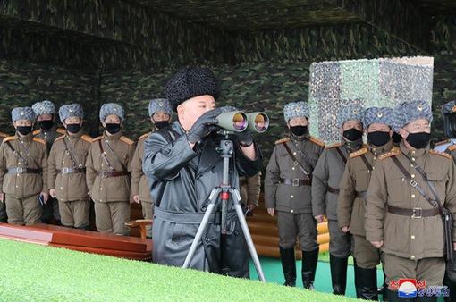 Nhà lãnh đạo Triều Tiên giám sát các cuộc tập trận