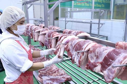 Hạ giá thịt lợn hỗ trợ phòng chống dịch