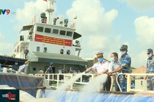 Hỗ trợ 1,5 triệu lít nước ngọt đến vùng hạn mặn Bến Tre