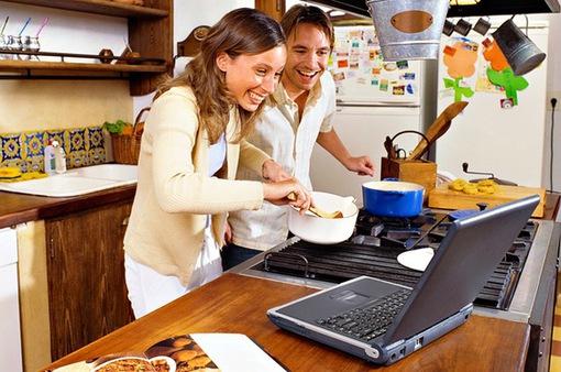 """Cách các nhà hàng """"sống sót"""" nhờ công nghệ trong mùa dịch COVID-19"""