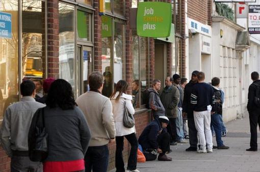 Anh đối mặt với tình trạng thất nghiệp gia tăng mạnh do dịch COVID-19